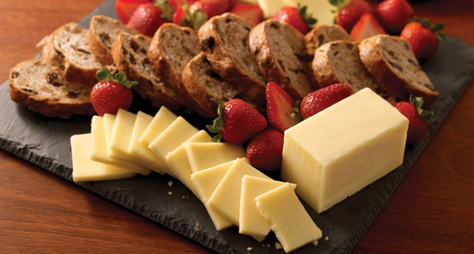 c706f002a7e5 Perfect Food and Wine Pairings with Cheese | Cracker Barrel Cheese
