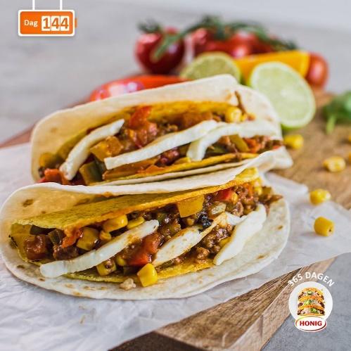 Paprika-mozzarella Taco's