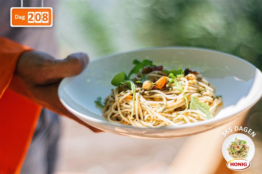 Spelt spaghetti met spinazie en kikkererwten