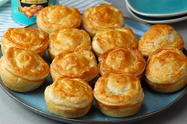Beanz, Sausage and Bacon Pies