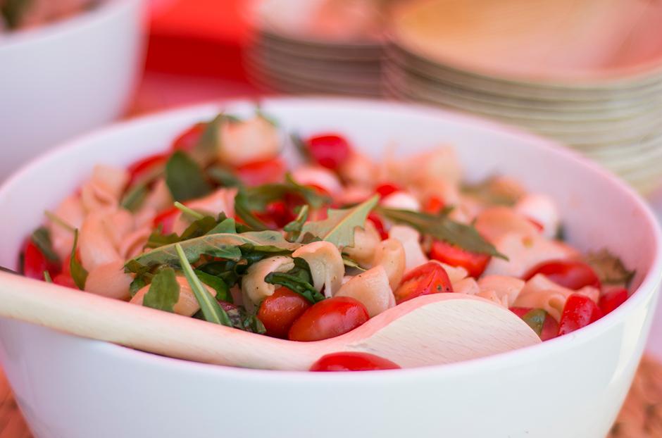 Frisse pasta caprese salade
