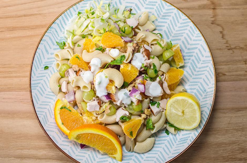 Hartige XL pasta fruit salade